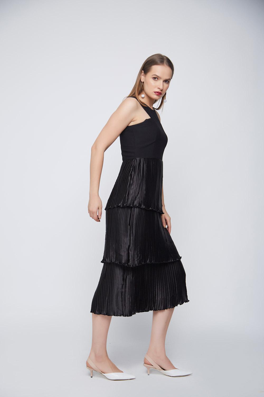 Black Pleated Layered Dress -0